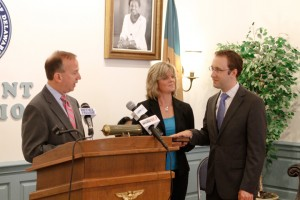 Murphy Sworn in as Secretary of Education
