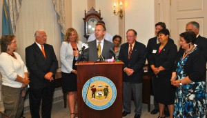 Governor Markell Signs Bill Limiting Payday Loans