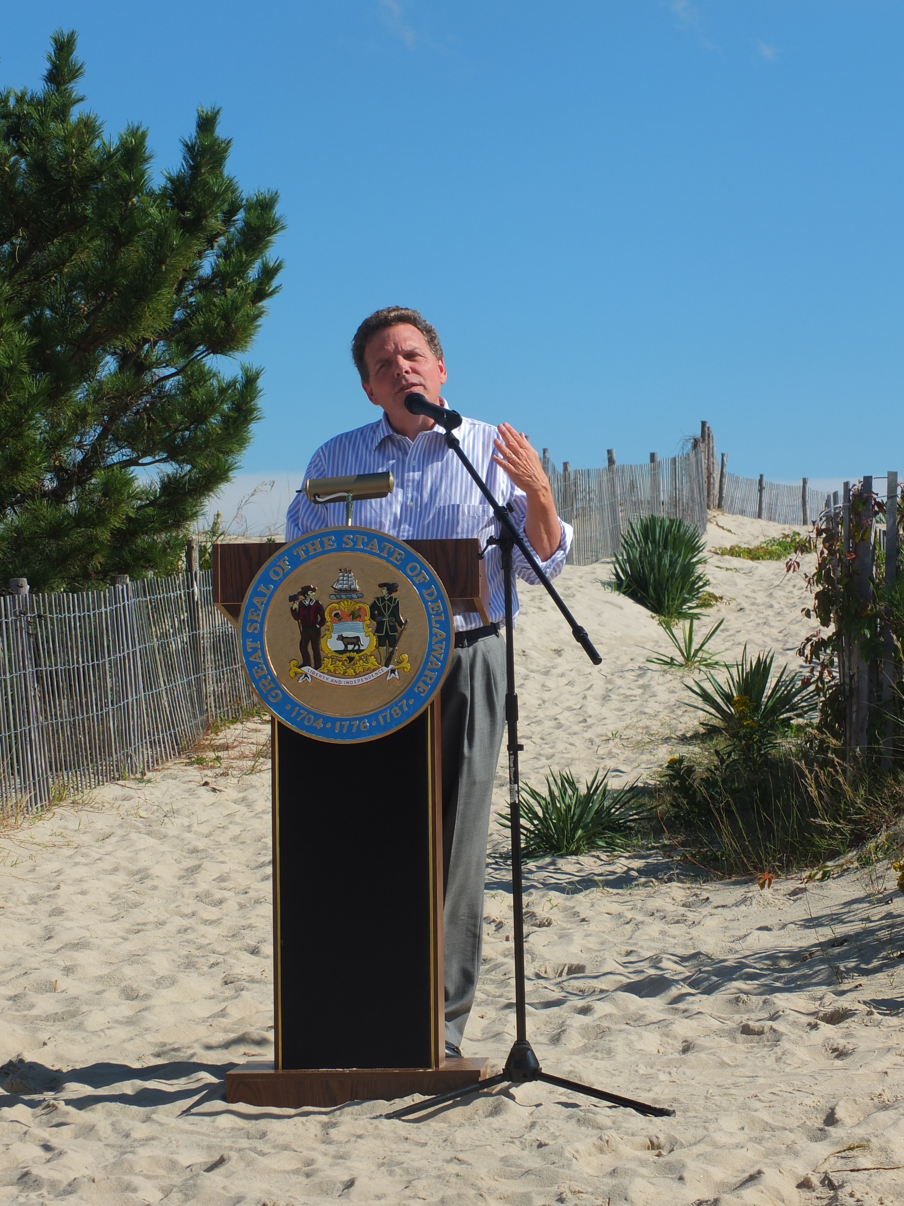 Governor markell signs new bill to enable dnrec to issue for Delaware surf fishing