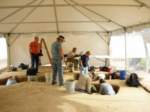 Photo of archaeologists and volunteers working at the Avery's Rest site.
