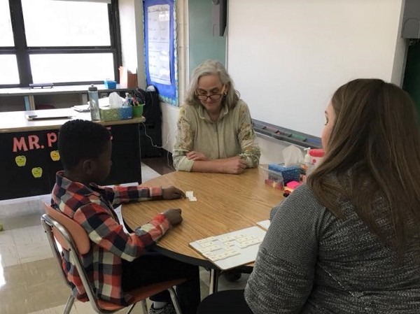 First Lady Tracey Quillen Carney visits Wilmington Manor Elementary.