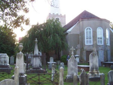 Photo of the graveyard of Immanuel Episcopal Church