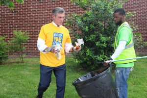 Governor Carney joins the City of Wilmington's Clean Team to pick up litter following the announcement of the Delaware Anti-Litter Alliance.