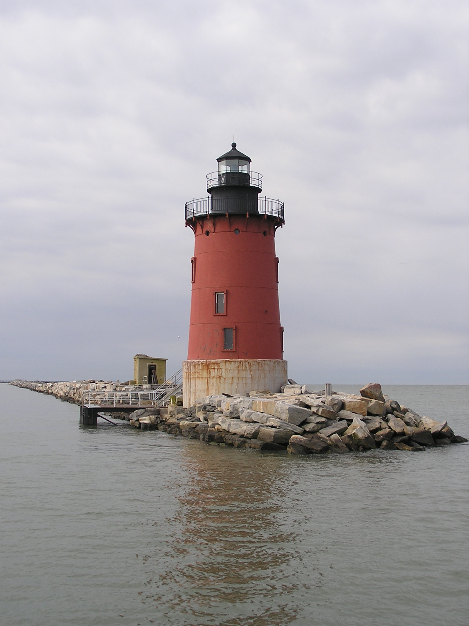 Photo of the Delaware Breakwater East End Lighthouse